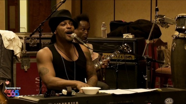 dangelo-bonnaroo-superjam-2012